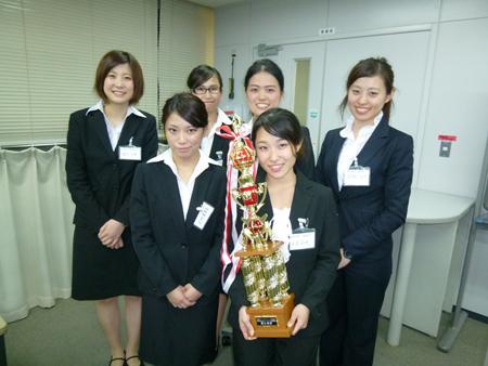 総合政策学部坂田隆文ゼミが「大学生のためのマーケティング研究講座」総合優勝