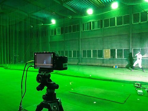 HP写真2:時速170キロの超速球を見るトレーニング.jpg