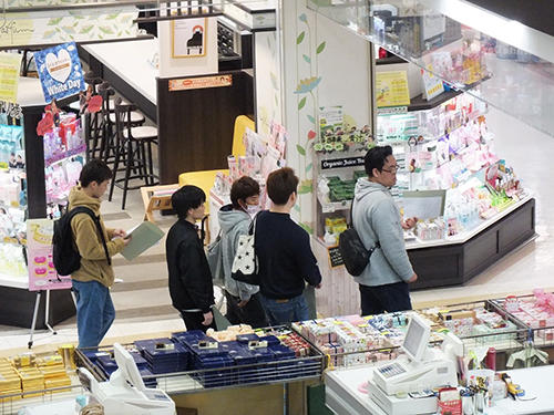 HPおしろタウン・シャオ店舗内の見学.jpg
