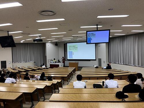 HP法学部・大山さんのチームの発表②.jpg