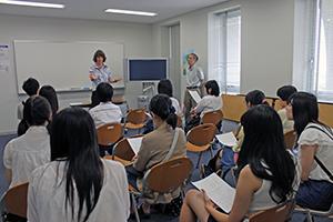 国際教養学部のロシア語の模擬講義