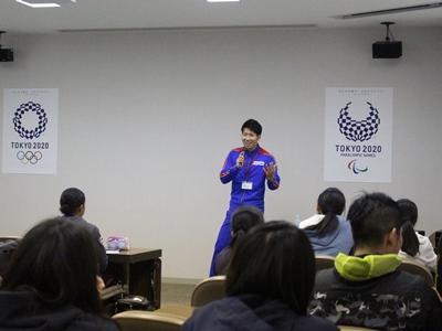 熱っぽく話すオリンピアン中村選手 縮小版.jpg