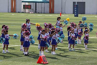 チアダンスを披露する子供たち.JPG