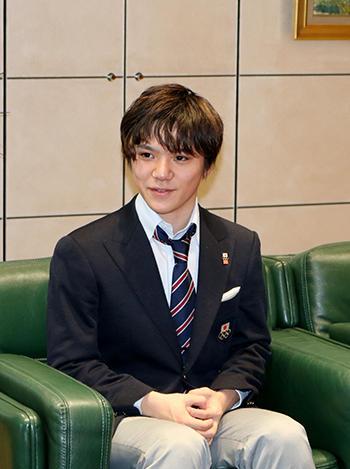 フィギュア宇野選手、平昌五輪銀メダルを報告
