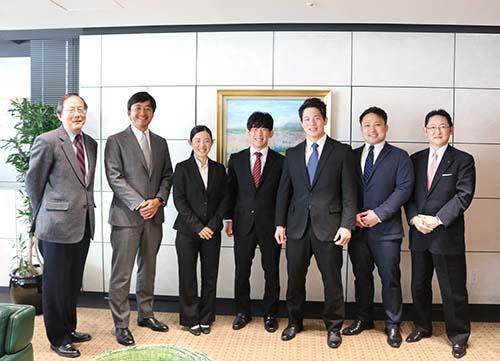 学生の名前(左から)彦坂さん、山本さん、早川さん.jpg