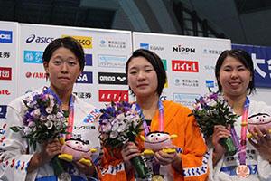 200㍍背泳ぎ2位千田選手(左).JPG