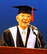 小川英次理事長