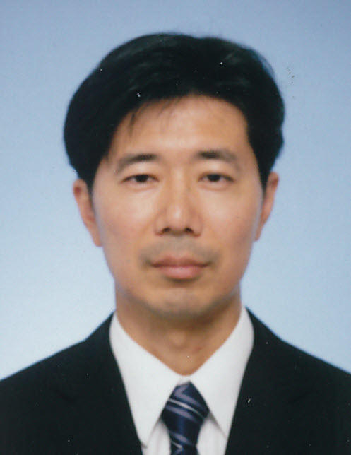 現代社会松田先生(2013年度着任).jpg