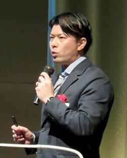 渡邊准教授の講演.jpg