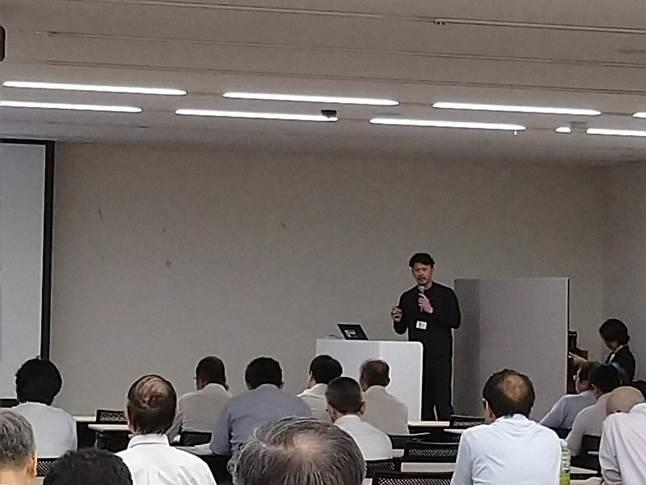 渡邊准教授の発表.jpg