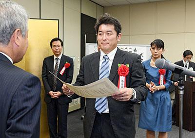 湯田先生-hp.jpg