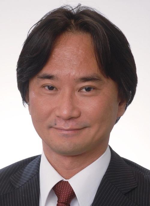 村中崇伸准教授.jpg